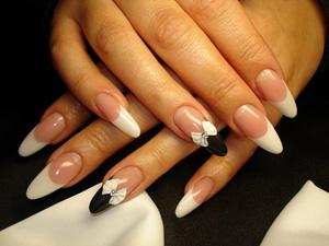 Дизайн ногтей ногтей со стразами фото